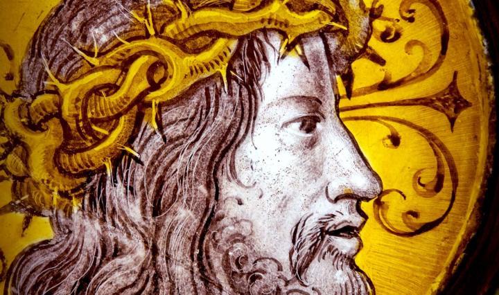 Bild på Jesus i ett kyrkfönster